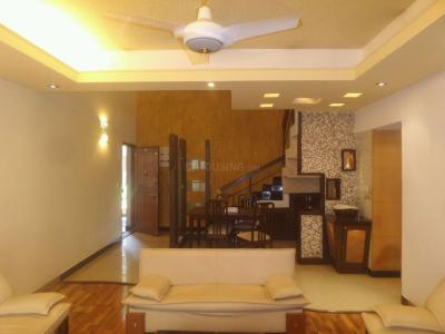 Gallery Cover Image of 2100 Sq.ft 3 BHK Apartment for rent in Sanjaynagar for 45000
