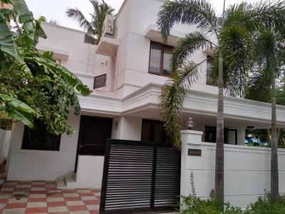 Gallery Cover Image of 2000 Sq.ft 4 BHK Independent House for rent in Palavakkam for 50000