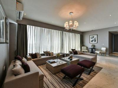 Gallery Cover Image of 1789 Sq.ft 3 BHK Apartment for buy in Worli for 64700000