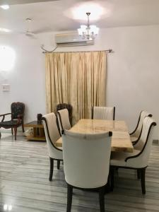Gallery Cover Image of 3000 Sq.ft 6 BHK Villa for rent in Cosmos Hawaiian, Thane West for 90000