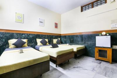 Bedroom Image of Oyo Life Chn1112 Lic Metro Stn in Anna Salai