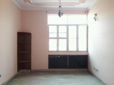 Gallery Cover Image of 960 Sq.ft 2 BHK Apartment for rent in Gyan Khand for 11000