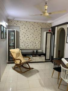 Gallery Cover Image of 865 Sq.ft 2 BHK Apartment for buy in Kalyan West for 8300000