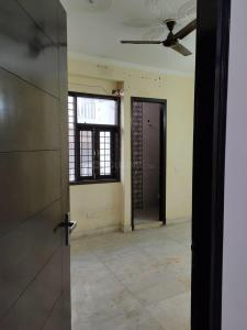 Gallery Cover Image of 650 Sq.ft 2 BHK Apartment for rent in Vasant Kunj for 18000