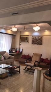 Gallery Cover Image of 2400 Sq.ft 3 BHK Apartment for rent in Juhu for 150000