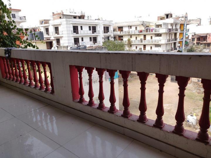 छत्तरपुर साउथ दिल्ली इन छत्तरपुर में गर्ल्स के लिए लिविंग रूम इमेज ऑफ गायत्री पीजी