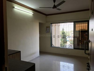Gallery Cover Image of 615 Sq.ft 1 BHK Apartment for rent in Kandivali West for 20000