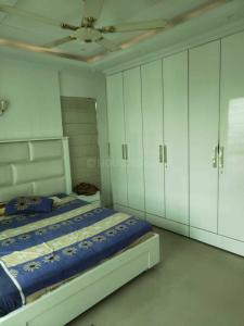 Gallery Cover Image of 2111 Sq.ft 3 BHK Apartment for rent in Topsia for 90000