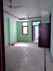 Gallery Cover Image of 1100 Sq.ft 3 BHK Apartment for rent in RWA C Block Mohan Garden, Dwarka Mor for 12000