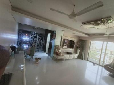 Gallery Cover Image of 1800 Sq.ft 3 BHK Apartment for buy in Juhu for 85000000