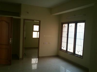 Gallery Cover Image of 720 Sq.ft 2 BHK Apartment for rent in Nagappa Subakeerthana, Urapakkam for 8000