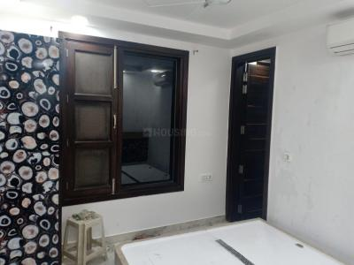 Gallery Cover Image of 650 Sq.ft 1 BHK Independent Floor for rent in Shalimar Bagh for 18000