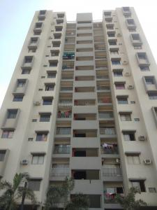 Gallery Cover Image of 1050 Sq.ft 2 BHK Apartment for buy in Makarba for 5500000