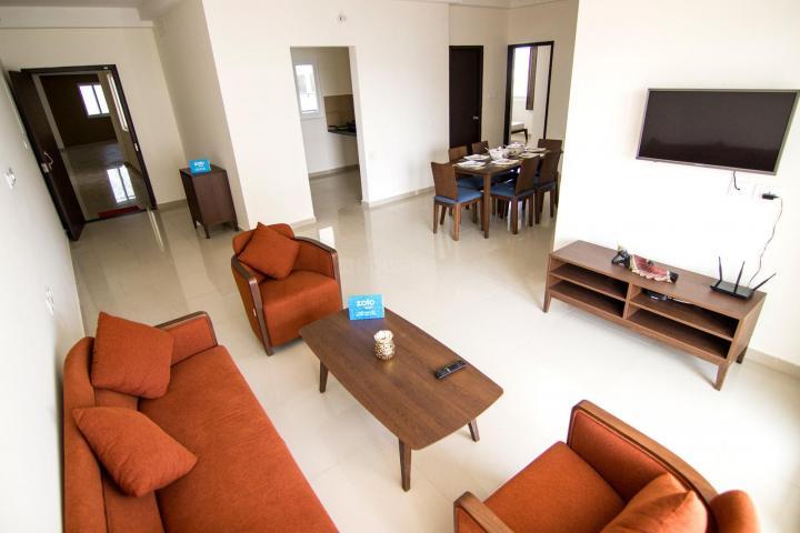 नवालूर में ज़ोलो ओपलाइन के लिविंग रूम की तस्वीर