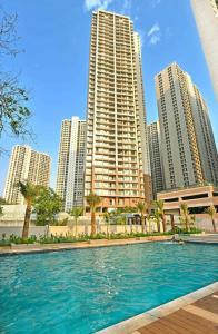 Gallery Cover Image of 1246 Sq.ft 2 BHK Apartment for buy in Tambati for 7251000