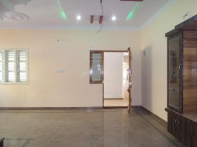 Gallery Cover Image of 1200 Sq.ft 3 BHK Independent Floor for rent in Hosakerehalli for 30000