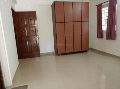 Gallery Cover Image of 1050 Sq.ft 2 BHK Apartment for rent in Juhu for 110000