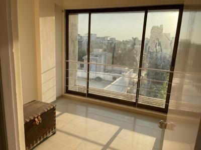 Gallery Cover Image of 1500 Sq.ft 3 BHK Apartment for rent in Thaltej for 20000