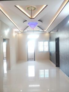 Gallery Cover Image of 1216 Sq.ft 2 BHK Apartment for buy in Kattupakkam for 5472000