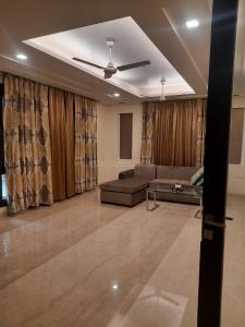 Gallery Cover Image of 9000 Sq.ft 5 BHK Independent House for buy in Sector 46 for 56000000