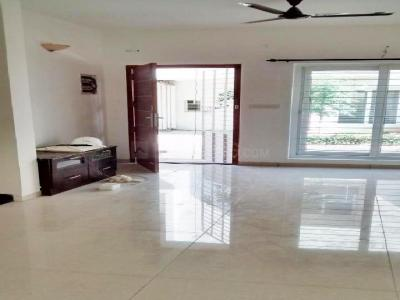 Gallery Cover Image of 1000 Sq.ft 3 BHK Independent House for buy in Sholinganallur for 7500000