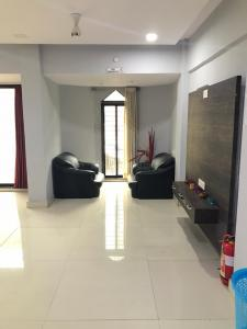 Gallery Cover Image of 1100 Sq.ft 2 BHK Apartment for buy in Nerul for 11000000