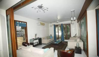 Gallery Cover Image of 5100 Sq.ft 4 BHK Villa for rent in Kilpauk for 200000