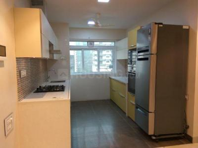 Gallery Cover Image of 1000 Sq.ft 2 BHK Apartment for buy in Prabhadevi for 40000000