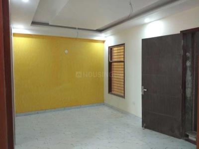 Gallery Cover Image of 850 Sq.ft 2 BHK Independent Floor for buy in Sector 11 for 4500000