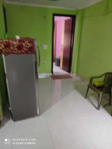 Gallery Cover Image of 500 Sq.ft 1 BHK Independent Floor for buy in Mahavir Enclave for 2200000