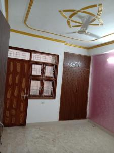 Gallery Cover Image of 1350 Sq.ft 3 BHK Independent Floor for rent in Chhattarpur for 25000