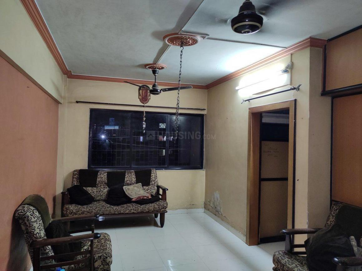 Living Room Image of 610 Sq.ft 1 BHK Apartment for rent in Thane West for 15500