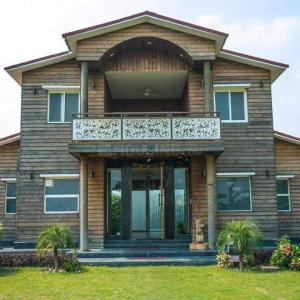 Gallery Cover Image of 9000 Sq.ft 2 BHK Independent House for buy in Sector 135 for 7000000