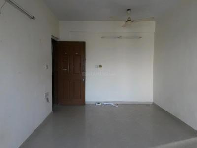 Gallery Cover Image of 666 Sq.ft 1 BHK Apartment for rent in Kandivali West for 22000