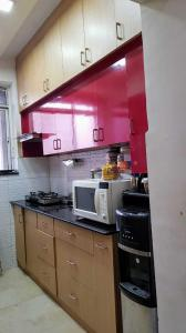 Gallery Cover Image of 979 Sq.ft 2 BHK Apartment for buy in Gwal Pahari for 5800000