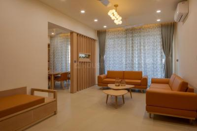 Gallery Cover Image of 2450 Sq.ft 3 BHK Apartment for rent in Century Tower, Bodakdev for 40000