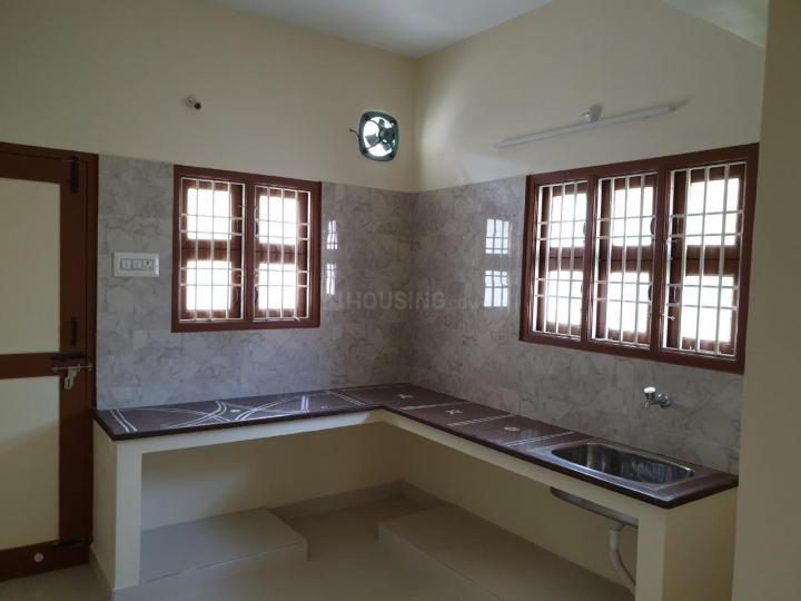 Kitchen Image of 700 Sq.ft 1 BHK Independent Floor for rent in Perungalathur for 10000