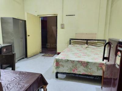 Bedroom Image of Golani PG in Bow Bazaar