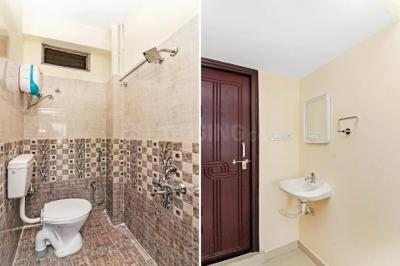 Bathroom Image of Oyo Life Hyd1108 Madhapur in Borabanda