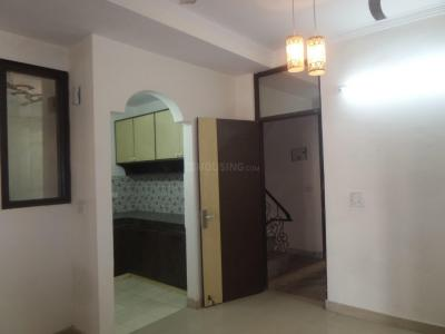 Gallery Cover Image of 550 Sq.ft 2 BHK Apartment for rent in Bharat Vihar for 10000