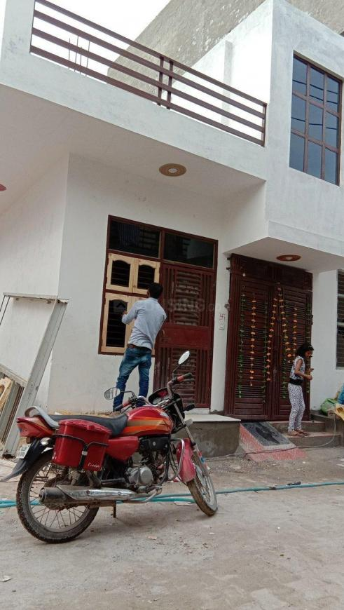 Building Image of 725 Sq.ft 3 BHK Independent House for buy in Sector 105 for 4400000
