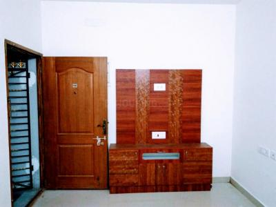 Gallery Cover Image of 1030 Sq.ft 2 BHK Apartment for rent in Ambattur for 14000
