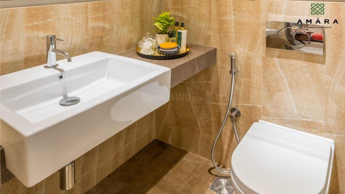 Common Bathroom Image of 960 Sq.ft 2 BHK Apartment for rent in Thane West for 25000