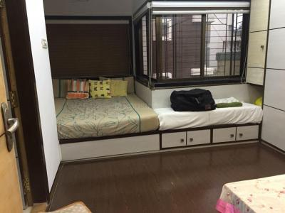 Gallery Cover Image of 900 Sq.ft 2 BHK Apartment for rent in Khar West for 80000