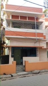 Gallery Cover Image of 1600 Sq.ft 4 BHK Independent House for buy in bangur avenue, Lake Town for 20000000