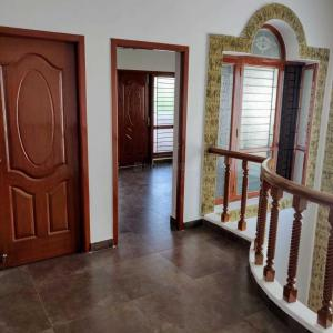 Gallery Cover Image of 4200 Sq.ft 4 BHK Villa for rent in Vadapalani for 120000
