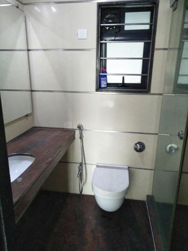 Common Bathroom Image of 1700 Sq.ft 3 BHK Apartment for rent in Vikhroli East for 90000