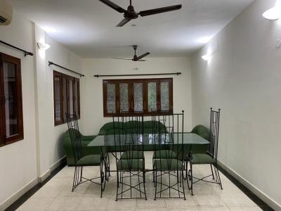 Gallery Cover Image of 1950 Sq.ft 4 BHK Apartment for rent in DDA Flats Sarita Vihar, Sarita Vihar for 42500