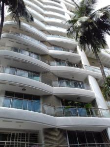 Gallery Cover Image of 2880 Sq.ft 4 BHK Apartment for rent in Juhu for 225000