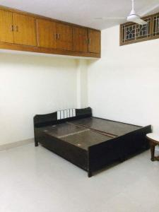 Gallery Cover Image of 1000 Sq.ft 2 BHK Apartment for rent in RWA East Of Kailash DDA Flats, East Of Kailash for 18000